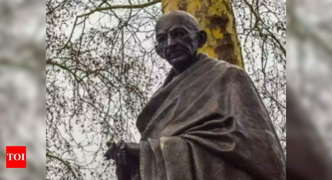 Indian-American groups strongly condemn violent toppling of Gandhi statue