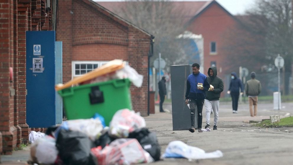 UK police arrest another 9 people at asylum seekers' camp