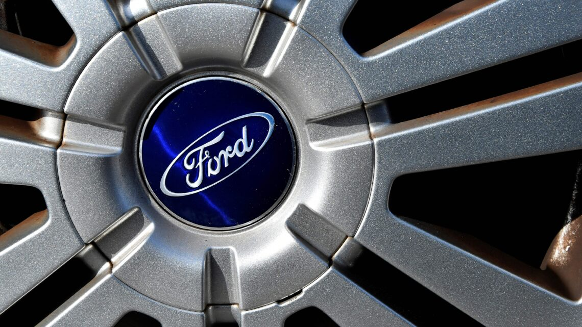 Ford invests $1 billion in German electric vehicle plant