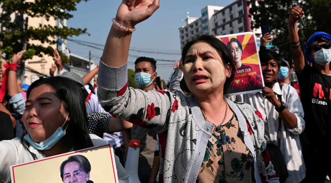 Myanmar blocks internet for second night in bid to choke protests | Military News