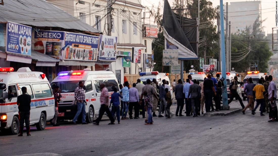 Somalia: Ongoing siege following car explosion at hotel gate in Mogadishu
