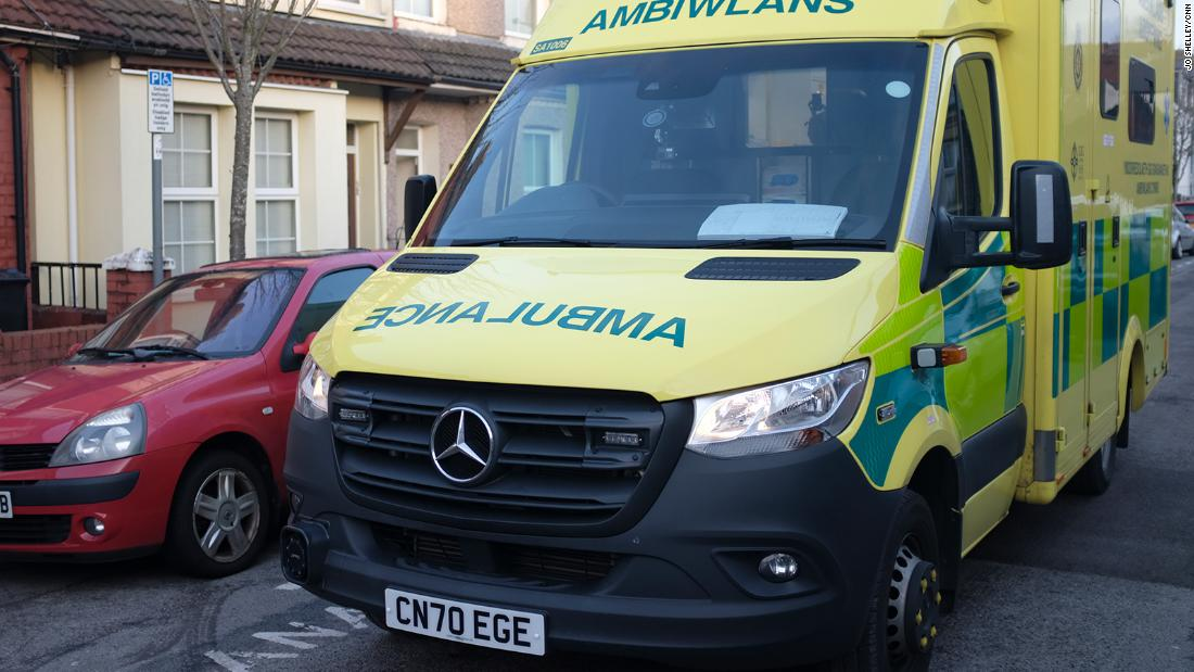 Wales coronavirus: Ambulance crews report drop in Covid callouts as vaccine rollout gathers pace