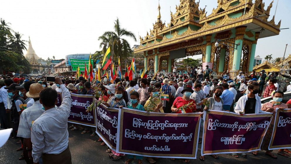 Reports: Military stages coup in Myanmar, Suu Kyi detained