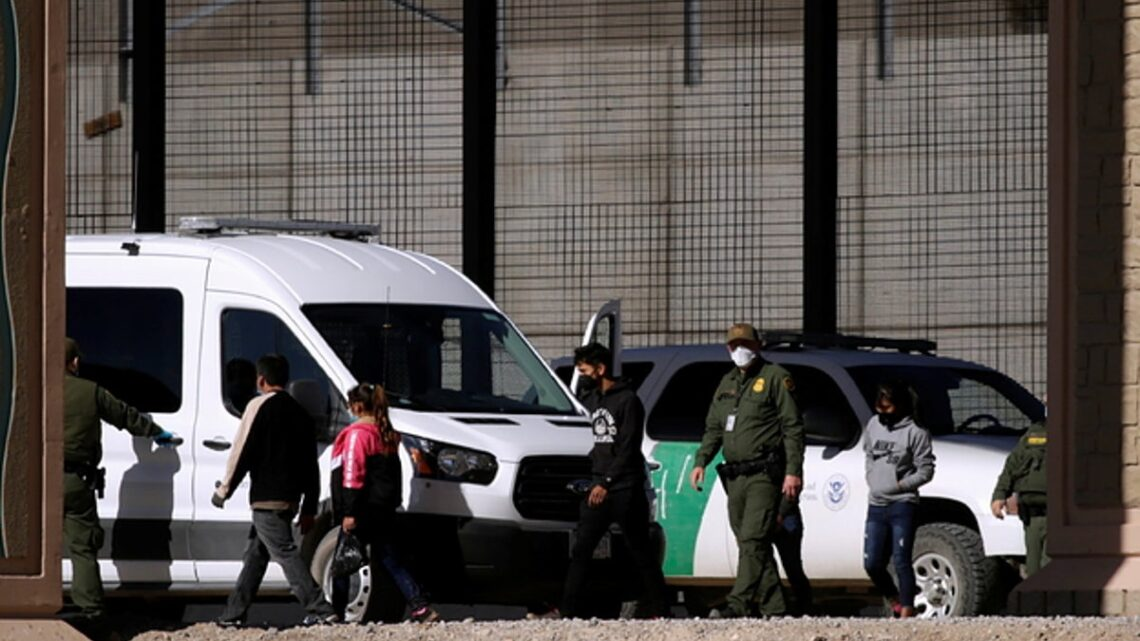 Texas Border Agents Releasing Some Immigrant Families After Mexico Refused To Take Them Back