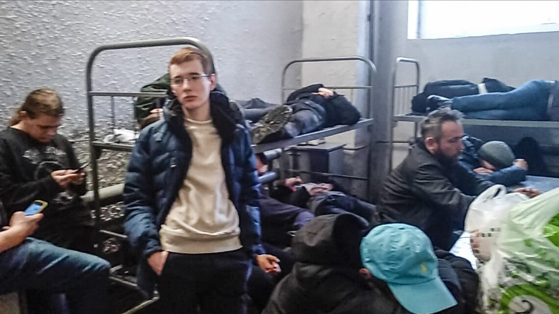 Moscow's jails overwhelmed with detained Navalny protestors as more than 11,000 protestors have been detained as of late : worldnews